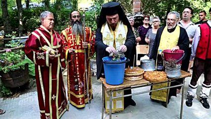 """Отбелязаха една година от освещаването на параклис """"Св. Димитър"""" в местността Дръстата край Лесово"""