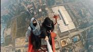 Височина от която ти спира дъхът! Руснаци изкачват Shenzhen Centre (660 метра)