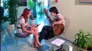 Кристина Дончева пее заедно с един от кандидатите на кастинга в Бургас