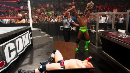 Sheamus vs. Kofi Kingston - United States Championship Tables Match: WWE Extreme Rules 2011