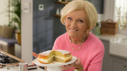 Ябълкова сандвич торта | Бързите рецепти на Мери Бери | 24Kitchen Bulgaria