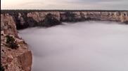 Море от облаци изпълва големия каньон, а пейзажът е изумителен.