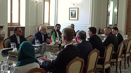 Iran: FM Zarif holds talks with British counterpart Hunt, reportedly on nuclear deal