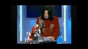 Бритни Спиърс награждава Майкъл Джaксън с Артист на хилядолетието през 2002