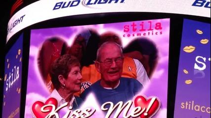 Джъстин и Селена се целуват на мач на Lakers