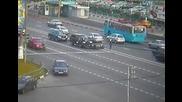 Мотористи с бясна скорост катастрофирват