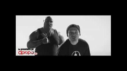 2009 - Яко Румънско - Puya - Undeva in Balcani + Английски Превод