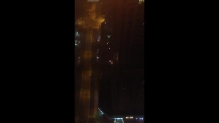 Пламна skyscraper в Дубай