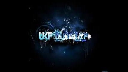 Ukf Blue Fondation - Eyes on Fire
