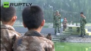 Китайци пращат децата си във военен лагер за да се отърват от интернет пристастяването