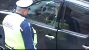 Полицай в София взема 20 лева подкуп