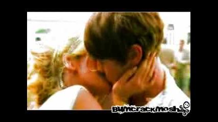 Nate and Serena - Bleeding Love