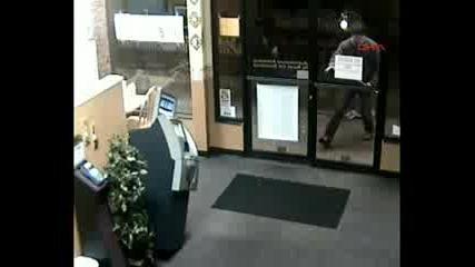 така се обира банкомат