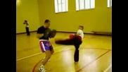 Млад Кик боксьор На 11 Години
