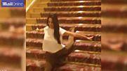 Готино момиче се спуска по стъпала, по много оригинален начин!