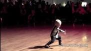 Малкия изкъртва с танца си