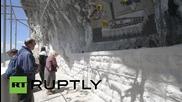 Хиляди пилигрими посещават отдалечения манастир Острог в Черна гора