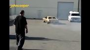 Прелестен Chevy Chevelle 70 пили гуми