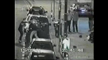 Полицаи Пребити По Време На Работа !!!!!!