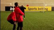 Telepathic football Yorke & Cole vs Rooney, Welbeck & Hernandez