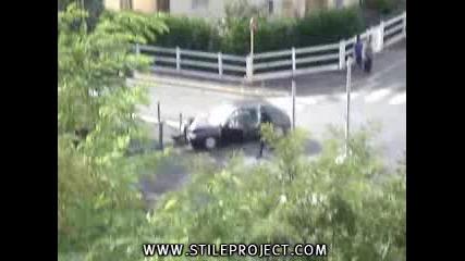 Не Само В България Полицаите Са Кретени