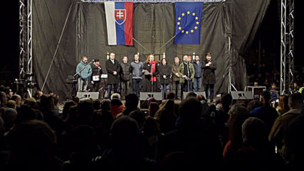 Slovakia: Thousands join anti-govt protest on 30th anniv. of Velvet Revolution