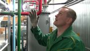 Russia: Inventor from the Urals makes machine that produces oil out from garbage