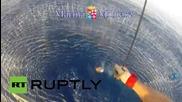 Италия: Емигрант издърпан в хеликоптер след като бе намерен в открито море