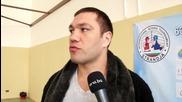 Боксьорите ни вече на топло в залата, Нейков сложи ръкавици