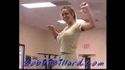 Урок по кикбокс - Малко ми пречат гърдите,  ама..