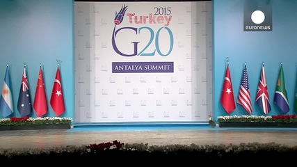 Котки нахлуват сцената на срещата на върха на Г-20 в нарушение на сигурността