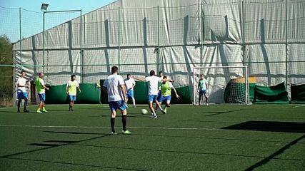 Отборът на FactSet за първи път участва на Благотворителния турнир по футбол на Holiday Heroes