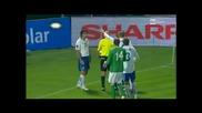 Халф на Северна Ирландия чупи флагчето, докато бие корнер (видео)