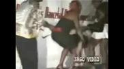 Падане На Танцьорка От Сцената 2
