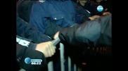 Сблъсък между протестиращи и полицаи в 150-ия ден на протести