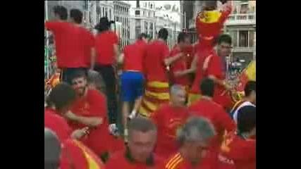 Пияният Пике наплю човек от щаба на Испания