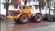 Този трактор видя зор