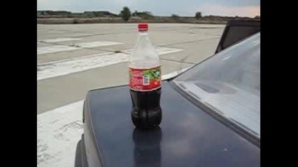 Кока Кола Върху Bass