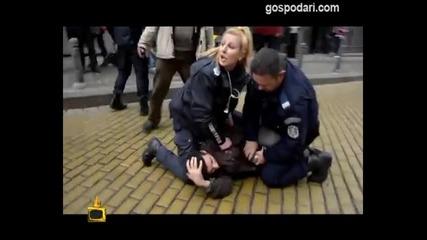 Господари на ефира 14.11.2013 Полицайка обижда репортер: Боклук!