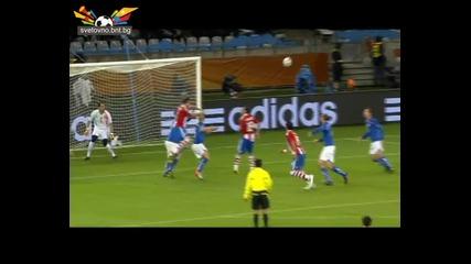Световно първенство по футбол 2010 Юар Де Роси спасява Италия