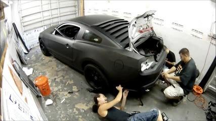Форд Мустанг и черен мат