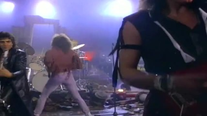 Превод! Bon Jovi - Runaway ( H Q music video)