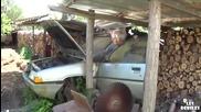Дядо си реже и цепи дървата с автомобил