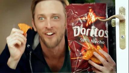 Дори кучето е пристрастено към Doritos