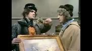 Monty Python - Art Gallery