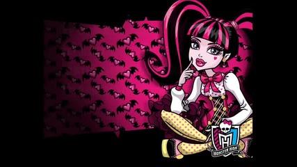 Monster High - Song_ We are monster (lyrics)