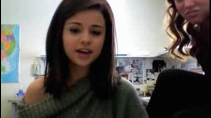 Selena Gomez - Happy Thanksgiving!