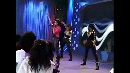 Keri Hilson - Turnin Me On (live) (2009) - ( Hight Quality)