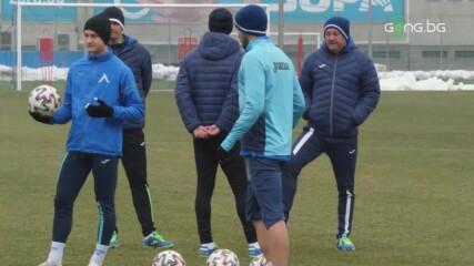 Левски тренира преди Етър