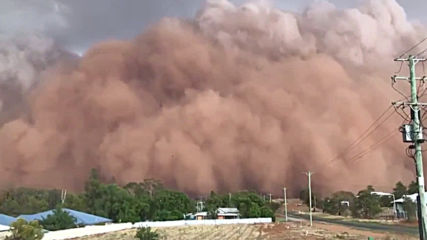 Australia: Massive dust storm sweeps across New South Wales